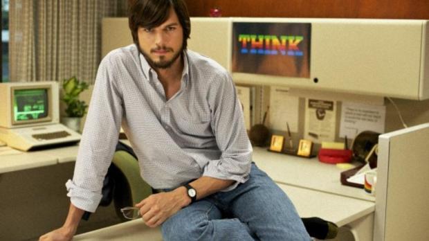 Ashton Kutcher como Steve Jobs en jOBS